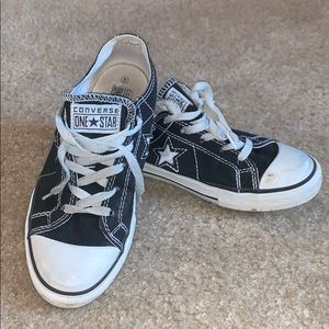"Black converse ""one star"" sneakers"